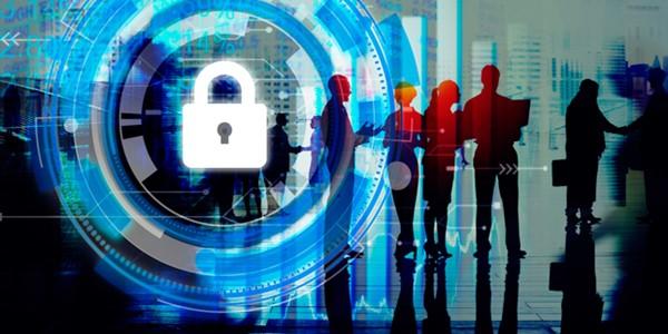 إجراءات حكومية يجب اتخاذها لفحص جرائم الابتزاز الإلكتروني ضد النساء
